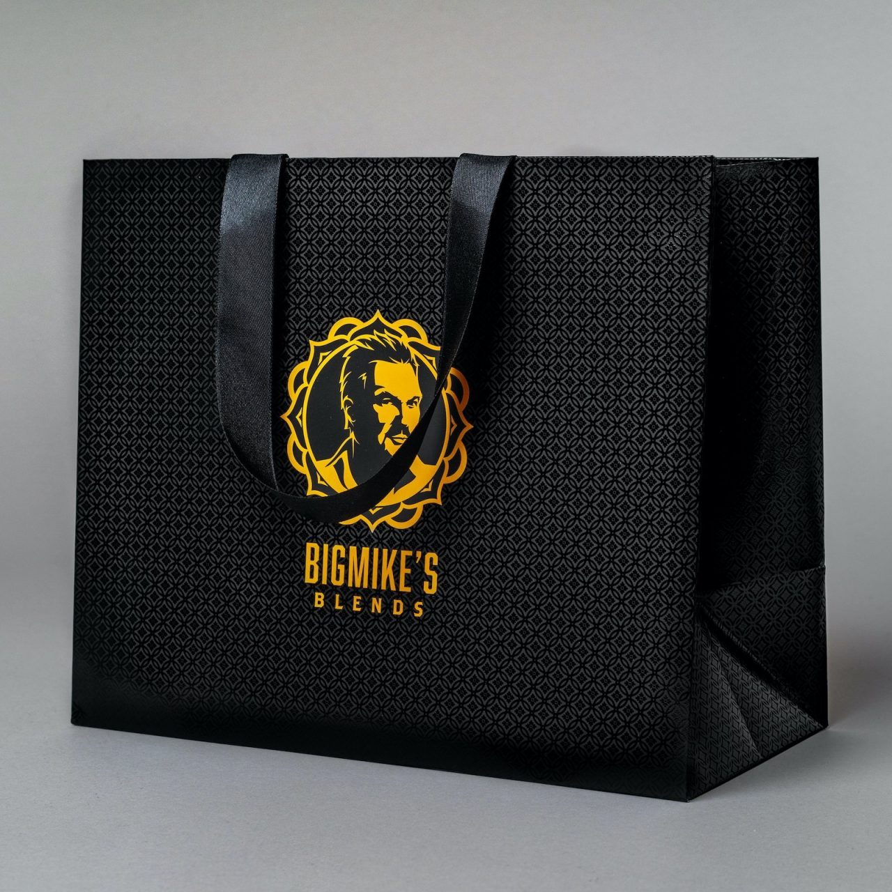 Luxury-Laminated-Paper Bags